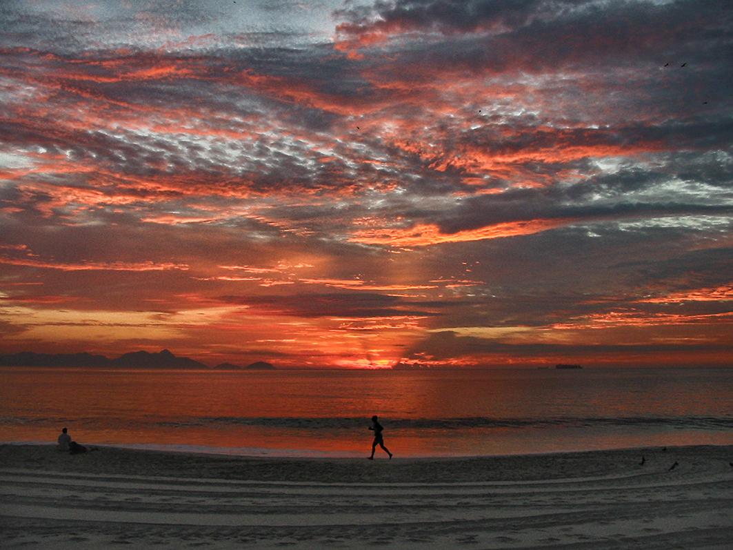 Pikyto fotografia Copacabana sunrise Encerrada a exposição gratuita de fotografia: Rio, Eu Gosto de Você