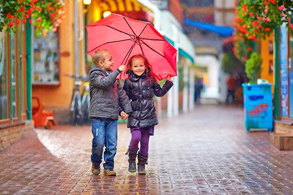 Crianças na Chuva Ensaios externos, dicas de como fazer