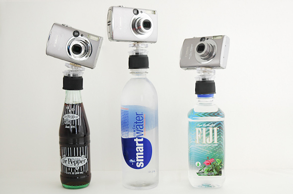 The-Bottle-Cap-Tripod-Gadgets-Fotográficos