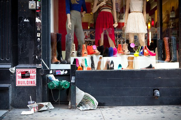 Shoe Store, SoHo, NYC. Observe a consistência nas próximas três fotografias.