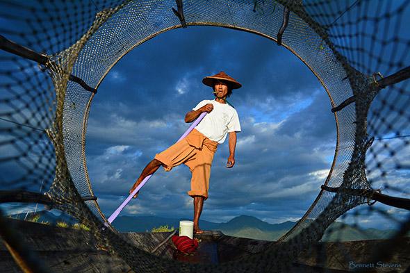 8. Bennett Stevens Portraits of Myanmar Fisherman Uma viagem fotográfica em Myanmar