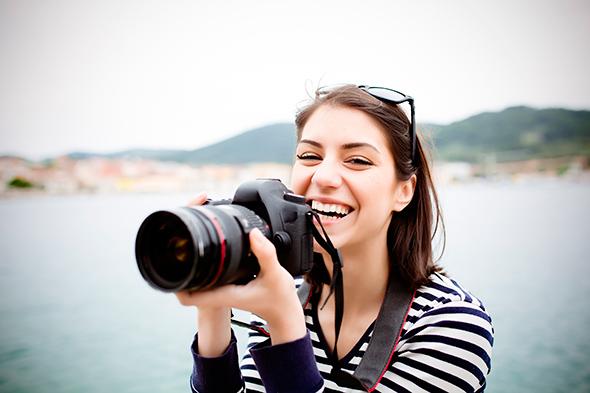 Fotógrafa feliz 1 Comprei Minha Primeira DSLR, e agora?