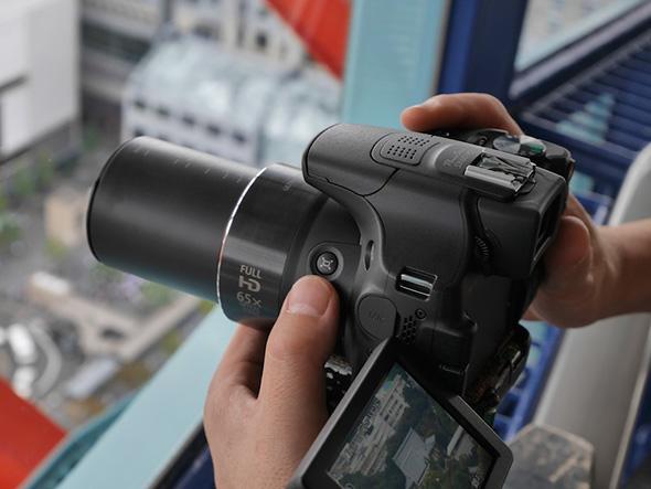 PowerShot SX60 HS3 Superzoom não é DSLR!