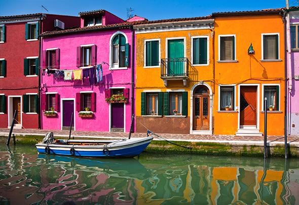 Ilha de Burano Itália 10 cidades coloridas para inspirar sua vontade de viajar (e fotografar)