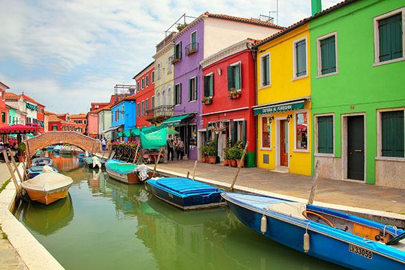 Ilha de Burano Itália2 10 cidades coloridas para inspirar sua vontade de viajar (e fotografar)