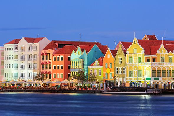 Willemstad Curaçao 10 cidades coloridas para inspirar sua vontade de viajar (e fotografar)